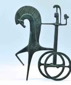 Athena on her chariot (Oxidized bronze) ( 27,5 cm)