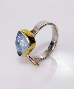 Handmade 925 Silver Ring with Goldplated details and Aquamarine.